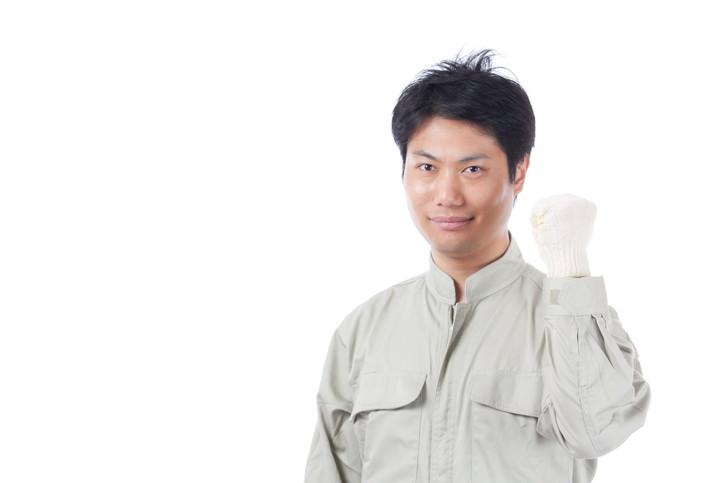 つなぎ着用は作業中のケガ防止に欠かせない