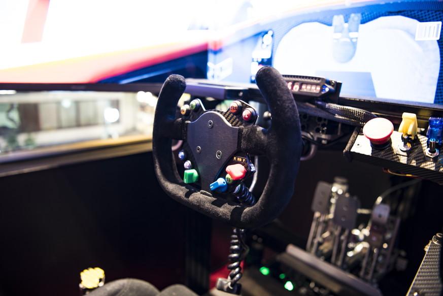 自動車整備士からレーシングメカニックになれるのか